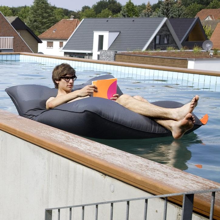 schwimmkissen pool bull sitting bull 289 00. Black Bedroom Furniture Sets. Home Design Ideas